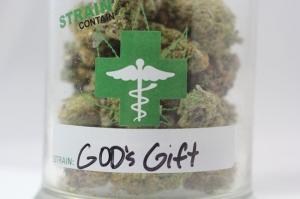 Gods-Gift-Strain-Contain